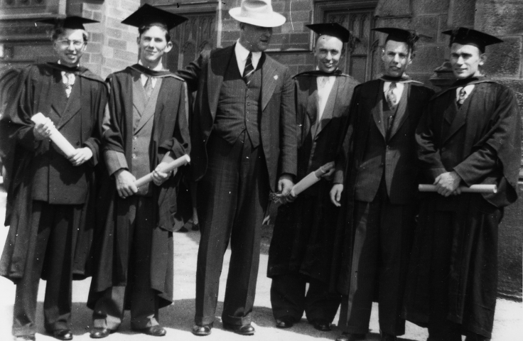 Civil Engineering graduates Paul Fekete, Bill Page, Kevin Quinlan, John Murray and Lance Spencer with (at centre) Professor Crawford Munro, 1952. (Lance Spencer, UNSW Archives CN1034)