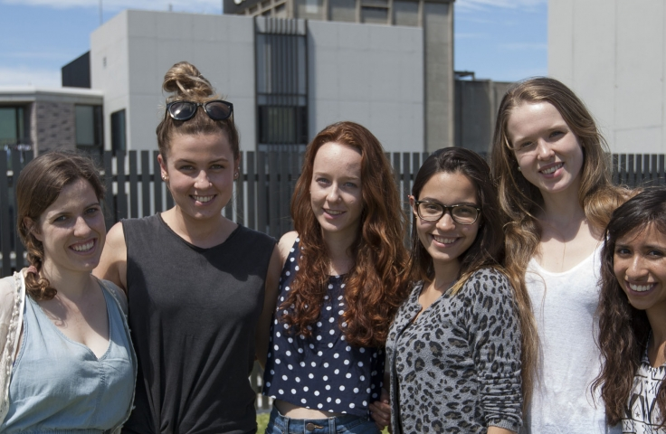 Students atop the newly renovated Kensington Colleges in 2014. (Photographer: Dan White, UNSW Archives S2171/1801)